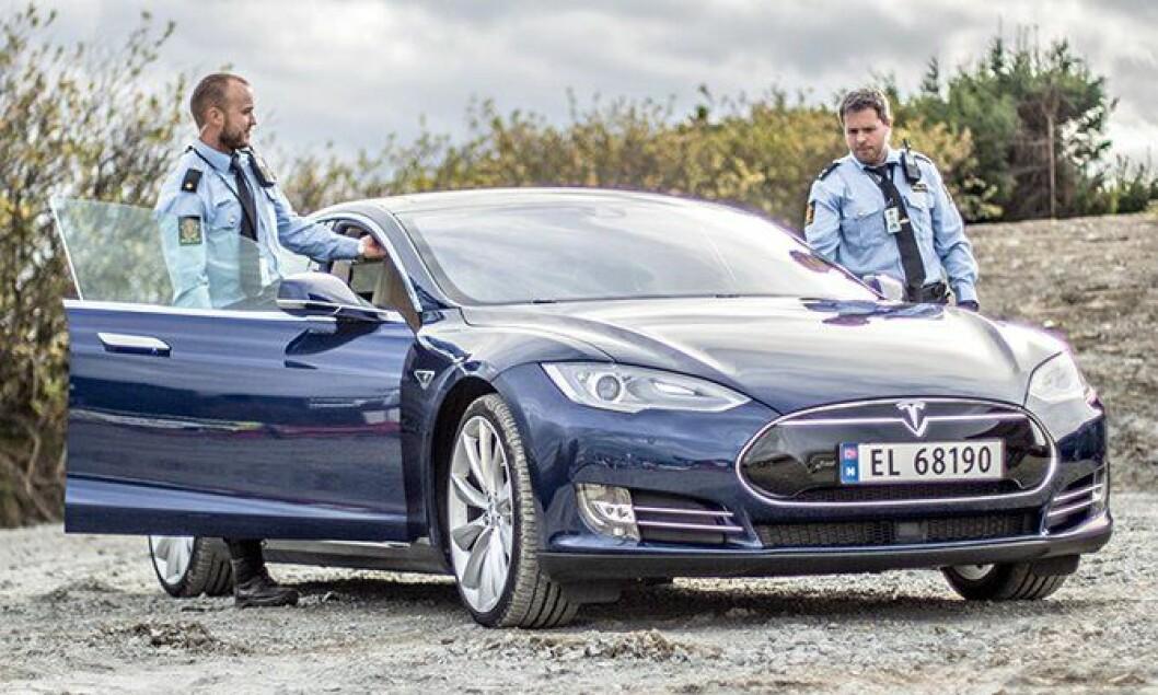 Kan Tesla bli en bra politibil? Politiforum har testet.