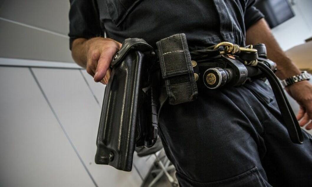 Politiets hylstre er ikke optimalt utformet for generell bevæpning, ifølge enkelte distrikter.