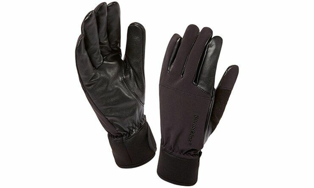 Vi har tatt med disse hanskene på IP-trening.