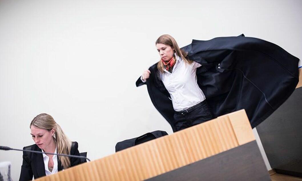 Merete Furesund og Lise Berntsen er politimannens advokater i lagmannsretten.