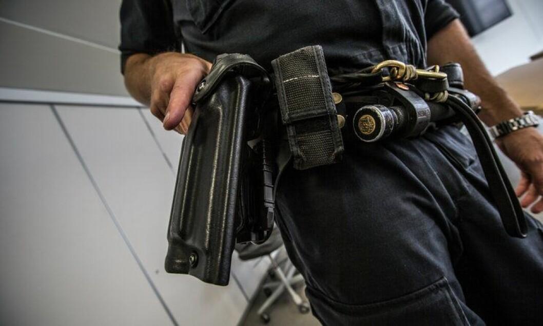 Politifolk skal ikke lenger bære våpen på hofta i daglig tjeneste.