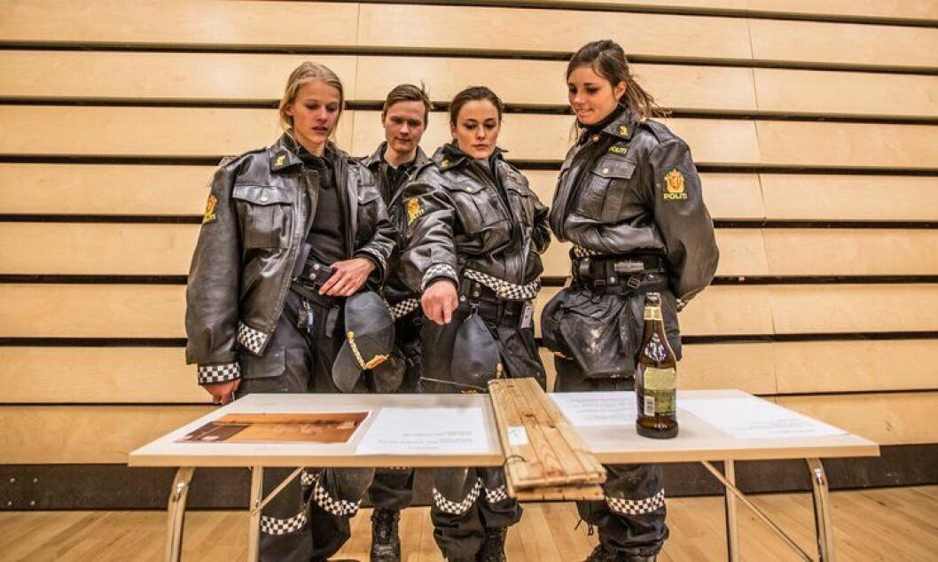 Kun rundt én av åtte søkere til Politihøgskolen får plass og får ta på seg politiuniformen.