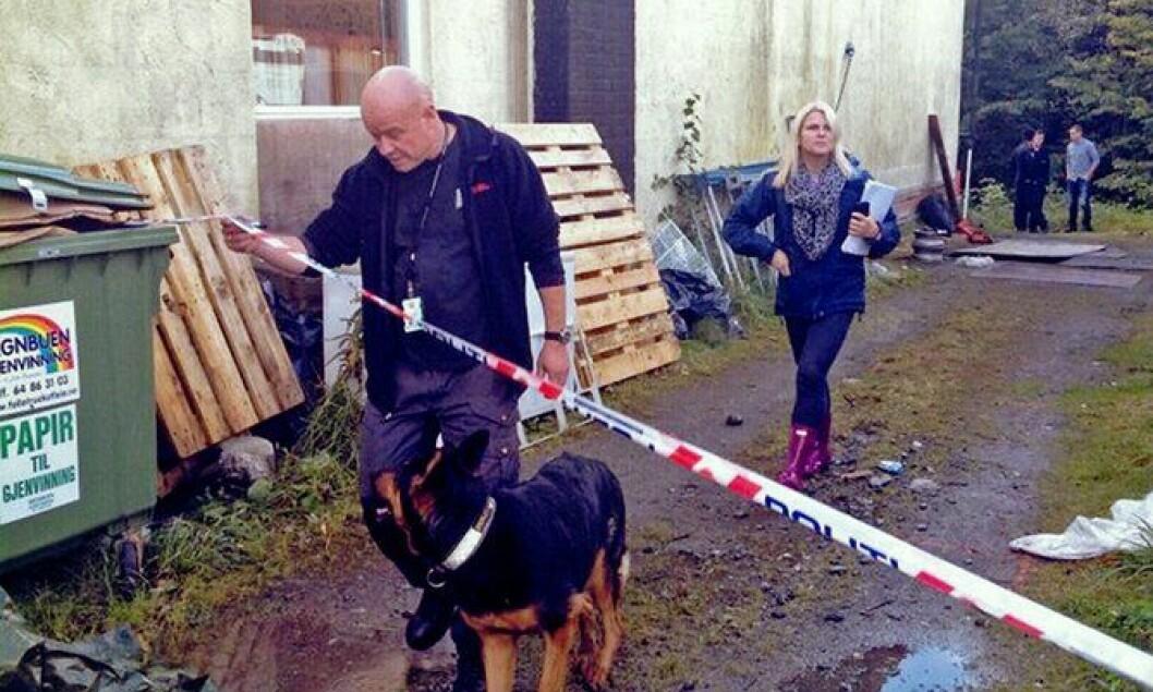 Kai Iversen og Rasko under et søk i Sigrid-saken i 2012.