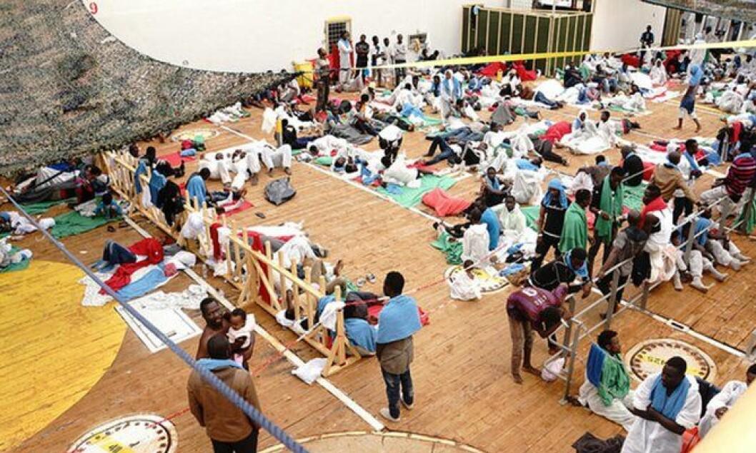 TRANGT PÅ DEKK: Siem Pilot har i dag siden operasjonen startet i juni 2015 reddet totalt 16.430 migranter.