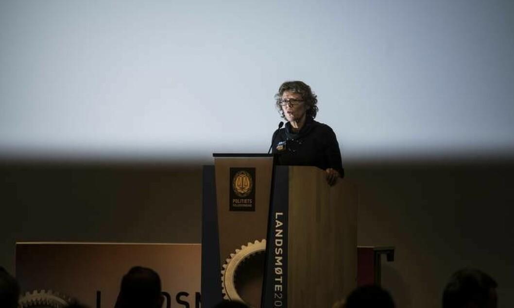 HR-direktør Karin Aslaksen sier hun vurderte sin habilitet da hun bestilte to rapporter fra SINTEF. Her er hun på PFs landsmøte i fjor høst.