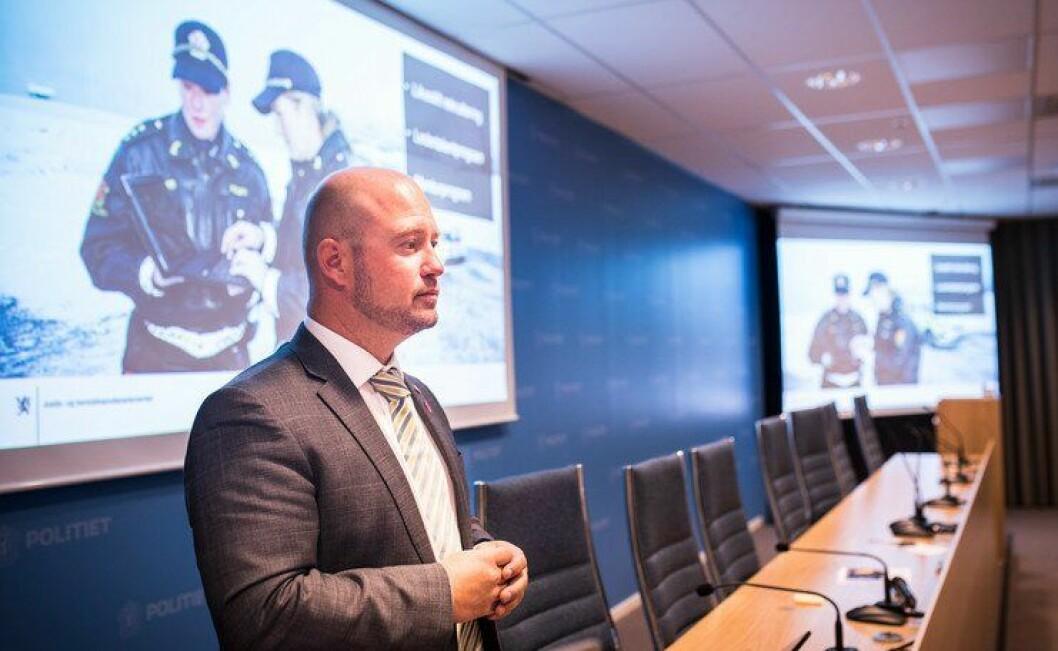 Justisminister Anders Anundsen åpnet seminar om kjønnsbalanse i lederposisjoner i politiet.