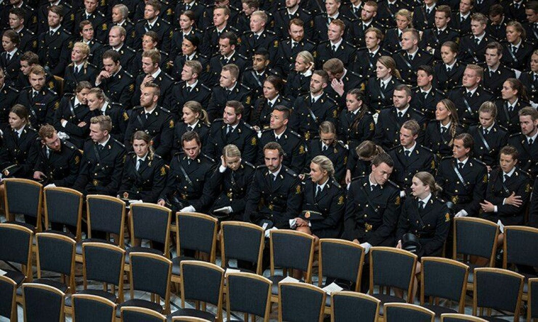 Slik så det ut da årets avgangsstudenter fra Politihøgskolen i Oslo fikk vitnemålene i Oslo rådhus.