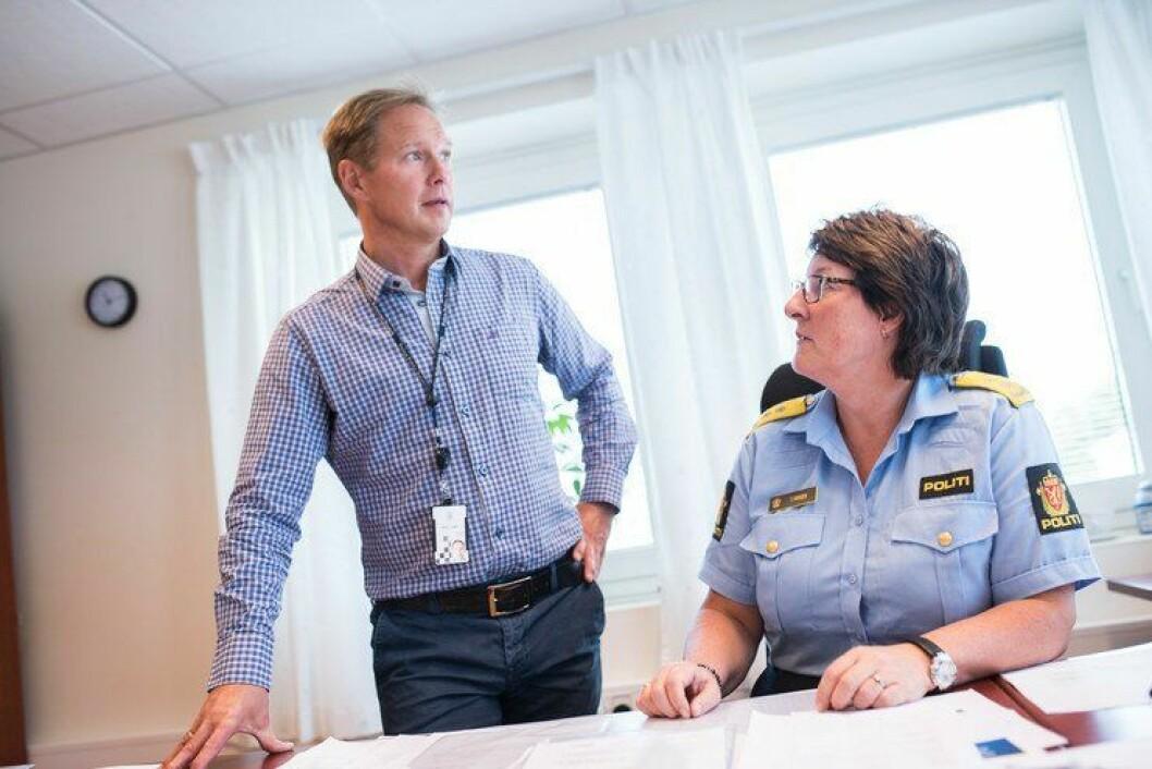 Jan Tore Hagnes leder Prosjekt nye politidistrikter i Nordland politidistrikt. To dører bortenfor politimester Tone Vangen, prøver han å få kabalen for det nye distriktet til å gå opp.