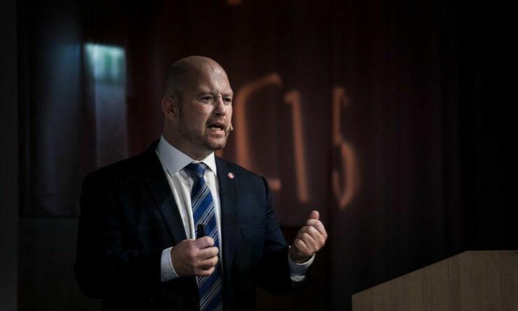 Justis- og beredskapsminister Anders Anundsen sa i går at politimesterne ikke kan skylde på andre.