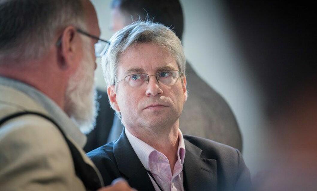 Nick Fyfe er professor ved universitetet i Dundee i Skottland. Han jobber med å evaluere reformen politiet i landet var gjennom fra 2013.