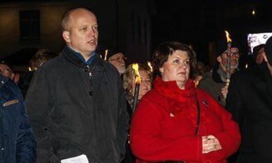 Trygve Slagsvold Vedum og Anita Ihle Steen under demonstrasjonen onsdag.