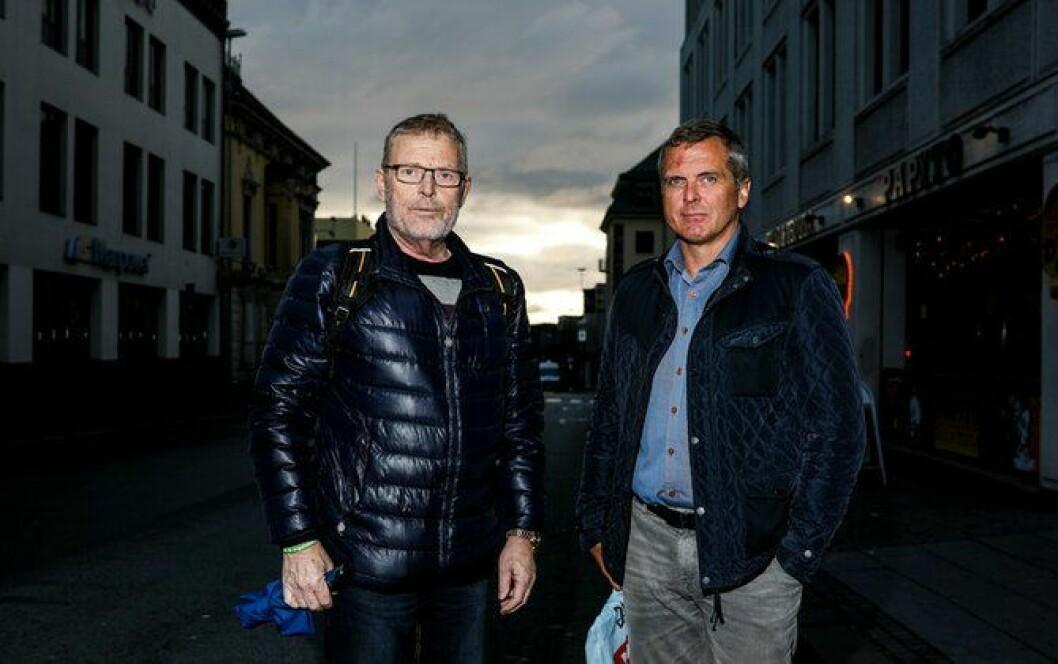 Knut Lauvrak og Magnar Heggernes er to om å føle seg aleine mot arbeidsgiveren, snart fem år etter at de reddet livet til en arrestant.