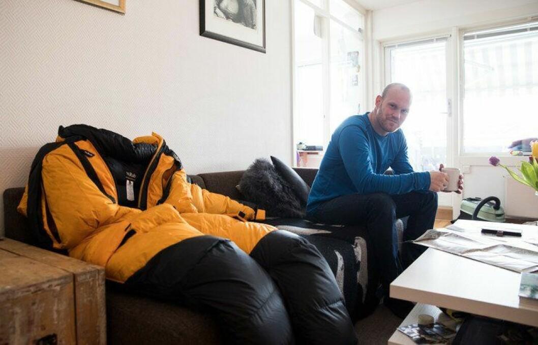 Siste hvil hjemme: Hjemme i Oslo har Inge Meløy spist seg opp ti kilo og gjort de siste forberedelsene. Det kommer godt med når Mount Everest skal bestiges.
