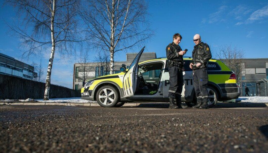 Alle distriktene har kommet godt i gang med opplæring i, og gjennomføring av lydavhør på stedet. To av betjentene er Magne og Kristian på Jessheim.