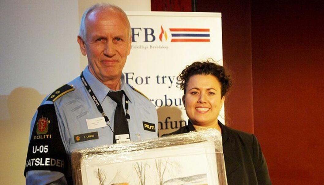 Thor Langli og styreleder Anita Mecheal Ellingsen i Kvinners Frivillige Beredskap (KFB).