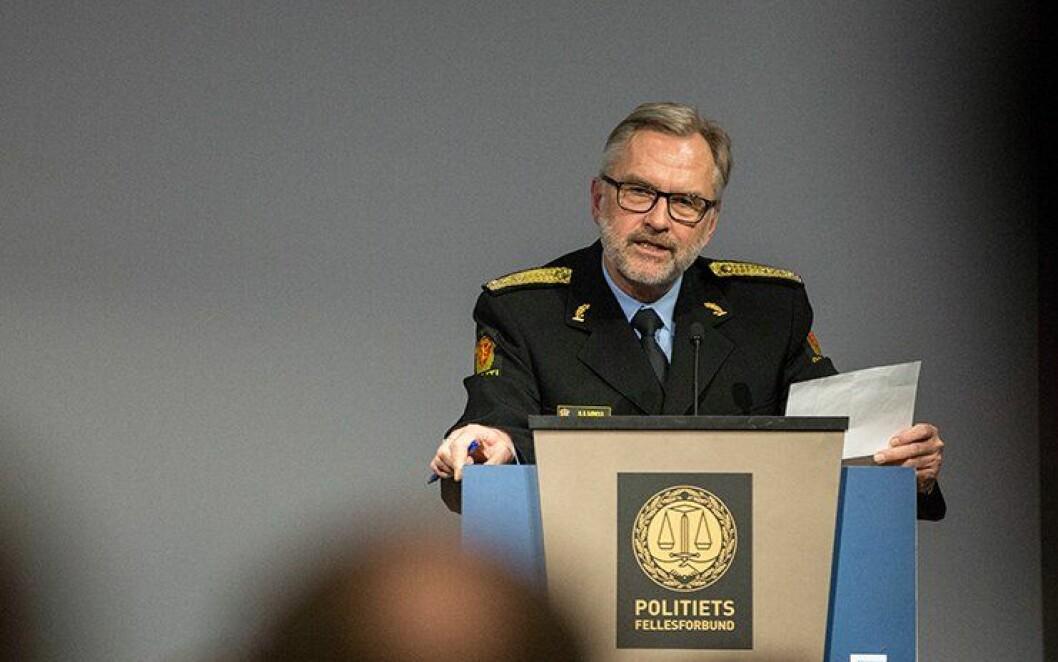 FORNØYD: Politimester Hans Sverre Sjøvold sier de har gode resultater på de aller fleste områder, men at de skal ta for seg punktene hvor innbyggerne er mindre fornøyd når det gjelder kontakt med innbyggerne i lokale områder.