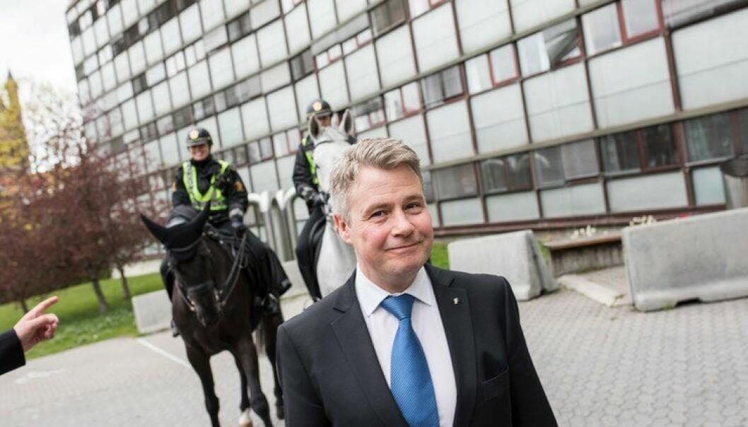 Justis- og beredskapsminister Per-Willy Amundsen har fått innsikt i økonomistyringa i politiet.