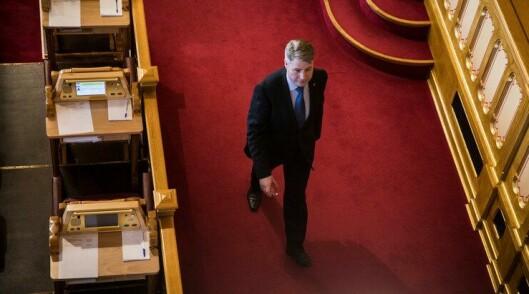 I RUTE: Justis- og beredskapsminister Per-Willy Amundsen sier utredningen fra Politidirektoratet er i rute.