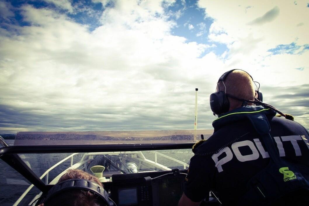 KONTRASTER: Sjøtjenesten i Oslo politidistrikt er styrket etter sammenslåingen, mens virkeligheten er en ganske annen for Nordland politidistrikt. – Det er klart det er utfordrende å dekke 25 prosent av Norges kystlinje, sier Geir Roger Flatøy ved Havnepolitiet i Nordland.