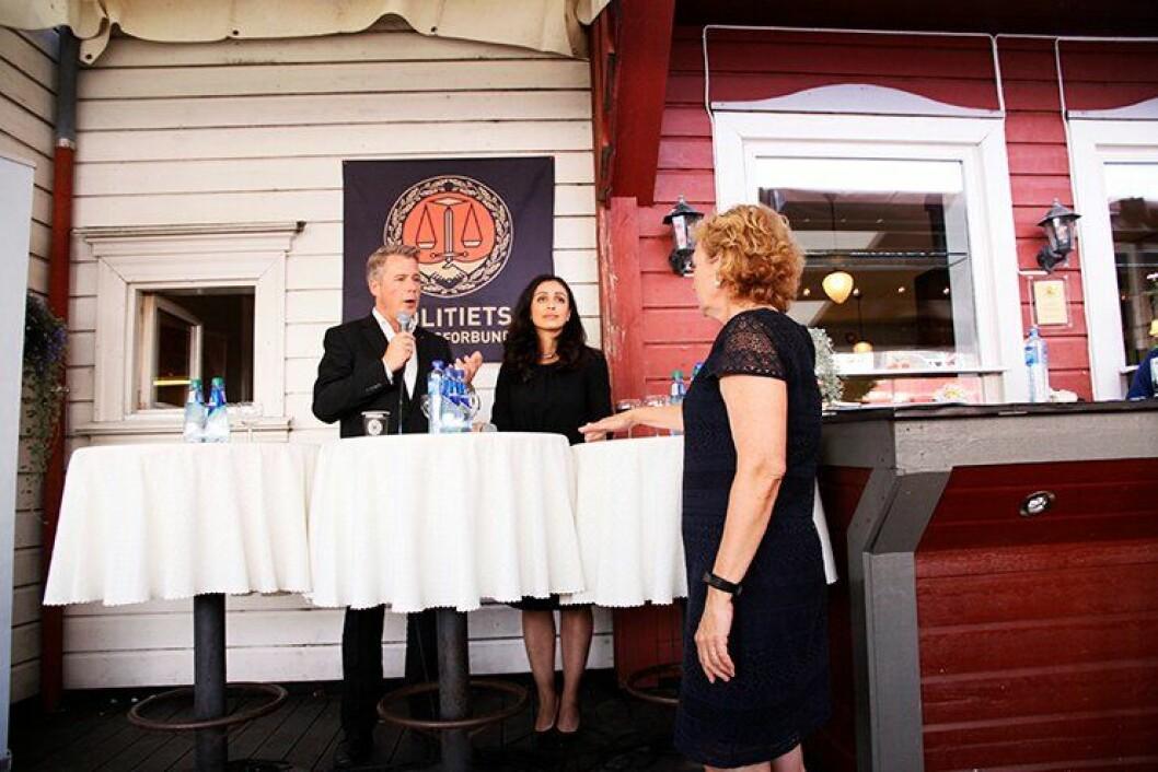 DUELL: Justisminister Per-Willy Amundsen (Frp) og leder av justiskomiteen Hadia Tajik (Ap) under debatten til Politiets Fellesforbund under Arendalsuka tirsdag ettermiddag. Debatten ble ledet av Trude Teige, kjent fra TV2.