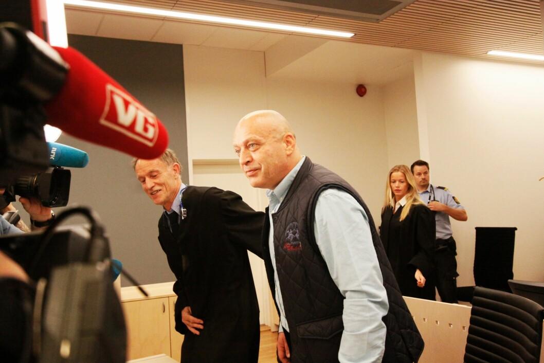 I RETTEN:Medtiltalte Gjermund Cappelen ankommer retten.