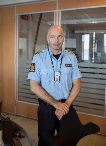 Lars Blix Olsen, leder for Fellesoperative tjenester og operasjonssentralen i Finnmark, sier han var heldig som fikk beholde Asgeir og Schjøllis.