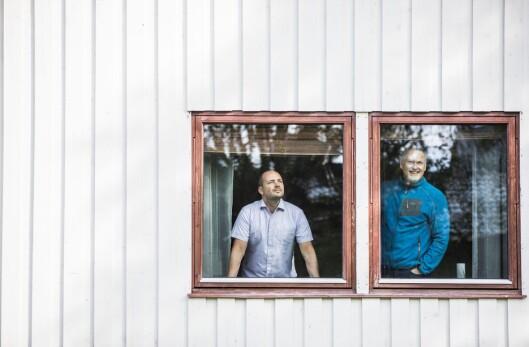 Etter at operasjonssentralen i Hammerfest ble lagt ned, flyttet Asgeir Aule og Jan-Olav Schjølberg inn i politimesterboligen i Kirkenes.