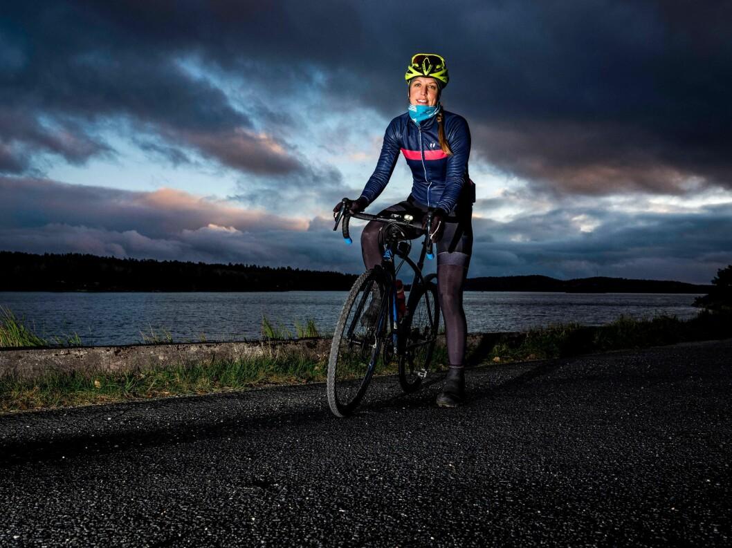 TRÅKKER TIL: Julie Meyer Solvang tråkker til og satser på sykkel.