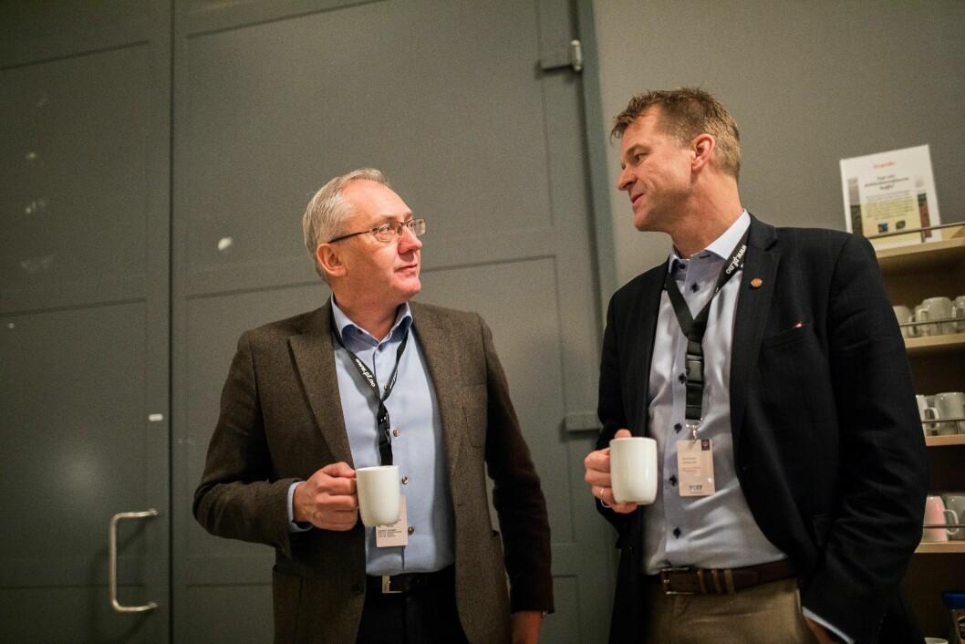 Politidirektør Odd Reidar Humlegård i samtale med PF-leder Sigve Bolstad.