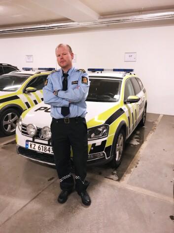 IKKE BUSS: Yngve Widding fikk ikke kjøre buss på fritiden på vei til instruktørjobben to timer unna. Kjør politibil, men husk, det er ikke arbeid, sa arbeidsgiver.