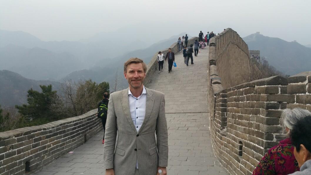 Rachlew og hans forskning har blitt noe så sjelden som en eksportartikkel som har reist verden rundt. Her på den kinesiske mur.