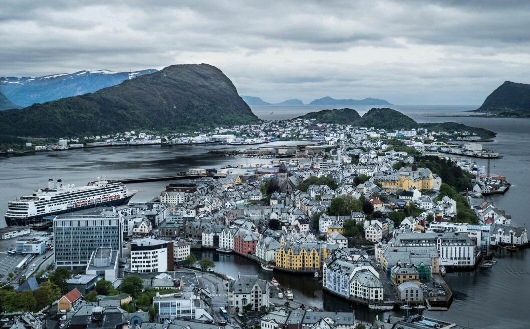 STORE FORSKJELLER: Politisjefene i Møre og Romsdal ligger helt i bunnen av lønnsstatistikken. Men til tross for at politidistriktet er mindre folkerikt enn for eksempel Oslo, så er det ingen grunn til at Møre og Romsdal skal komme så dårlig ut, mener lokallagslederen.