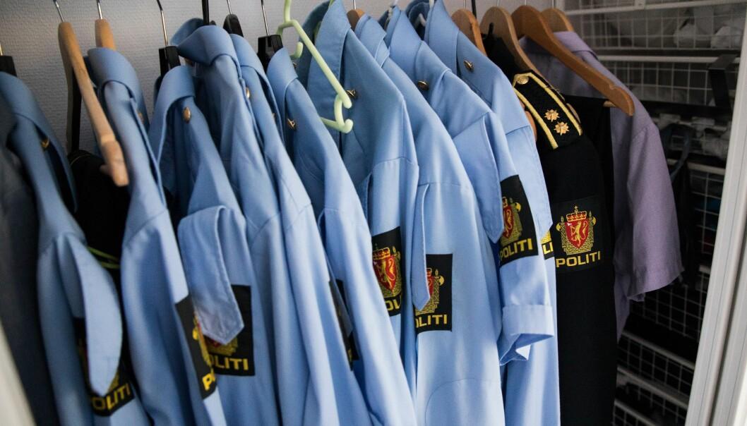 MER PRAKTISK: Etter snart 30 år i politiet har jeg etterlyst og foreslått en uniformert«feltskjorte», en langermet «pikèskjorte» og etter en idé frasommerskjorta, som kan benyttessammen med T2-antrekket, skriver Tor Erlend Imislund.