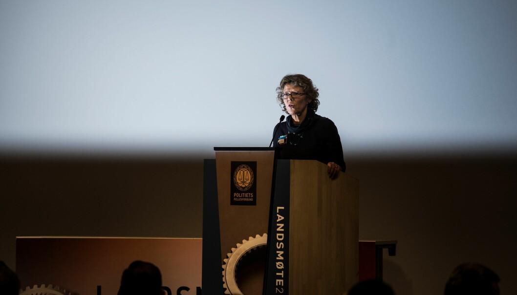 Karin Aslaksen, HR-direktør i Politidirektoratet, sier det skal gjennomføres en prosess i distriktet for å håndtere konflikter.