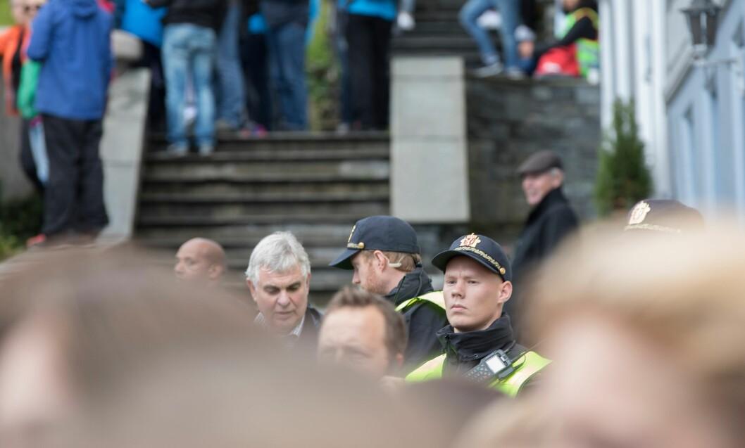 Alle nye ansettelser i politiet skal gjøres etter nye arbeidsavtaler. Men fagforeninga mener avtalene er i strid med loven.