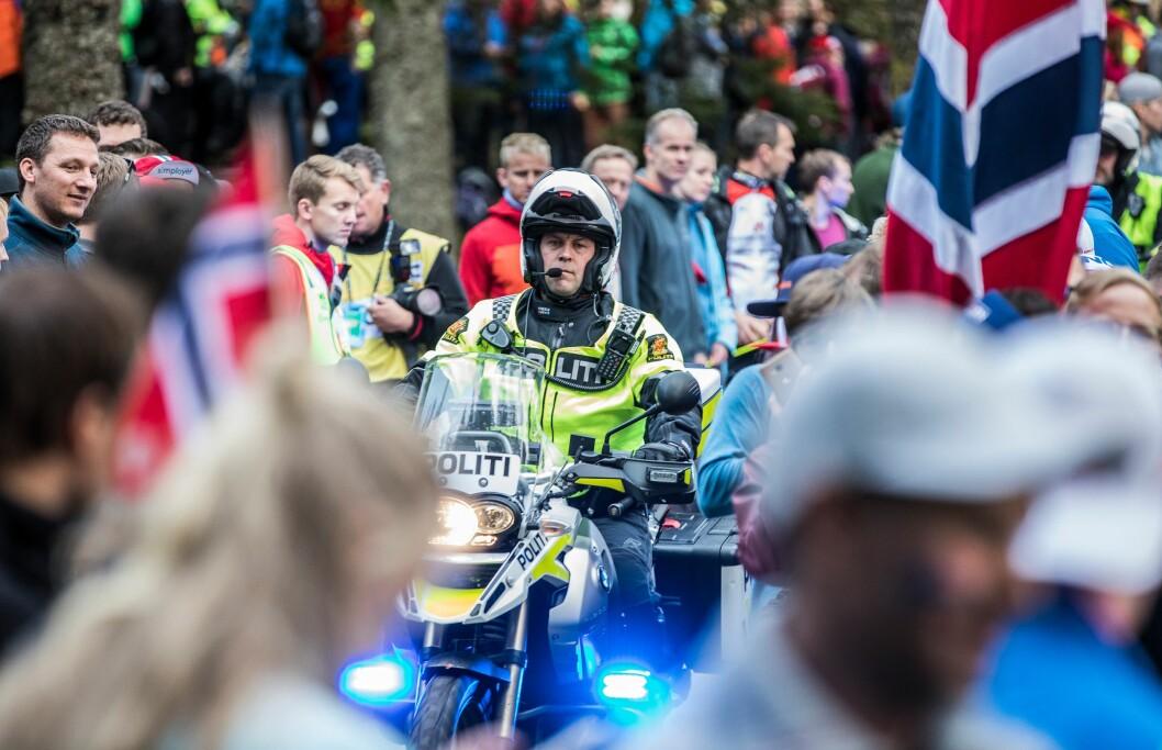 Flere hundre politifolk passet på folkemassene og trafikken under sykkel-VM.