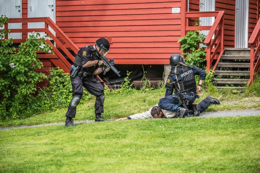 Mange politifolk trener operativt og fysisk.