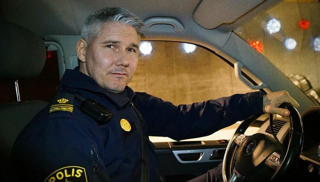 Stefan Siesing er politimann første rekke i Uppsala, og deltar i kampen mot gjengkriminaliteten.