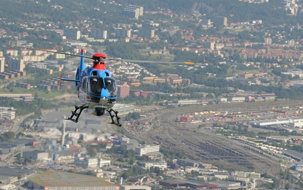 Politihelikopteret over Oslo. Dette er et illustrasjonsfoto, og helikopteret og pilotene på bildet har (sannsynligvis) absolutt ingenting å gjøre med historien.