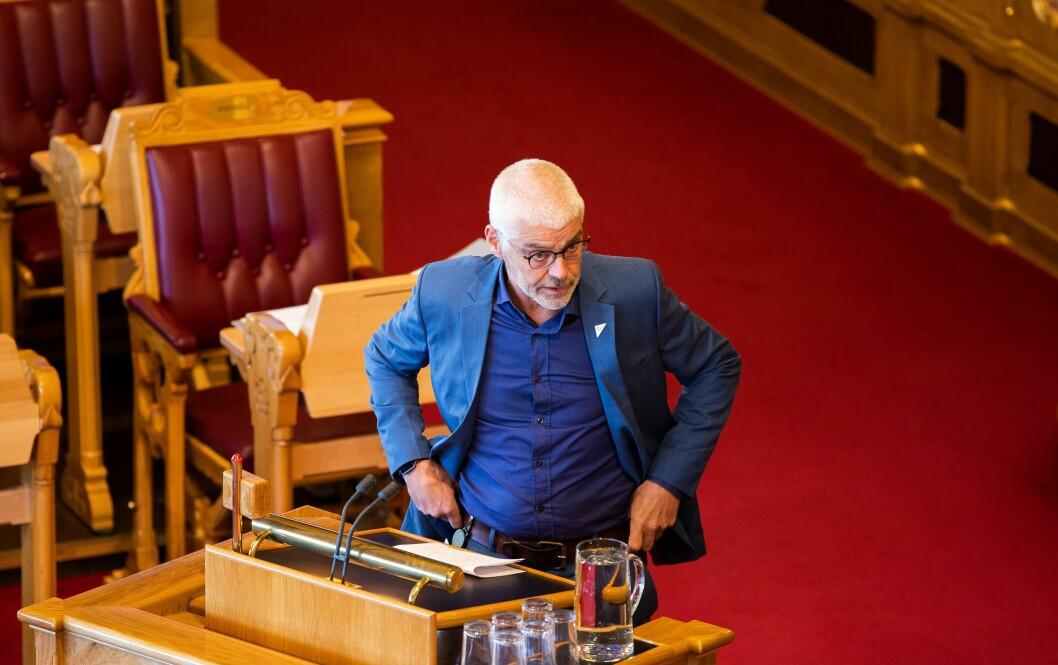 Petter Eide, justispolitisk talsperson i SV. Bildet er tatt under en stortingsdebatt i juni.