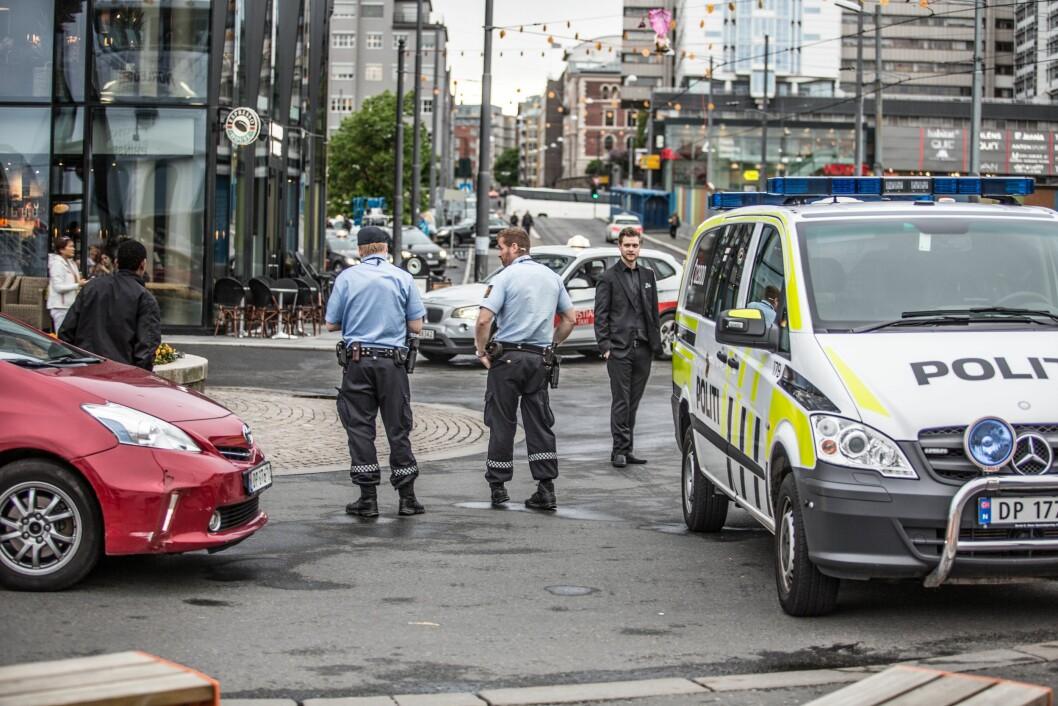 Oslo politidistrikt gikk kraftig i minus i fjor, og må trolig kutte for å unngå ny budsjettsmell.