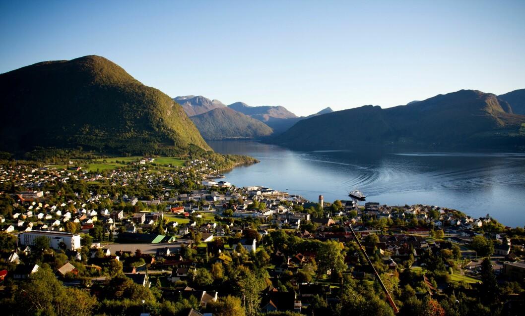 Volda er en av kommunene som nå får selskap i Møre og Romsdal politidistrikt. Hornindal kommune trekker nemlig nordover.