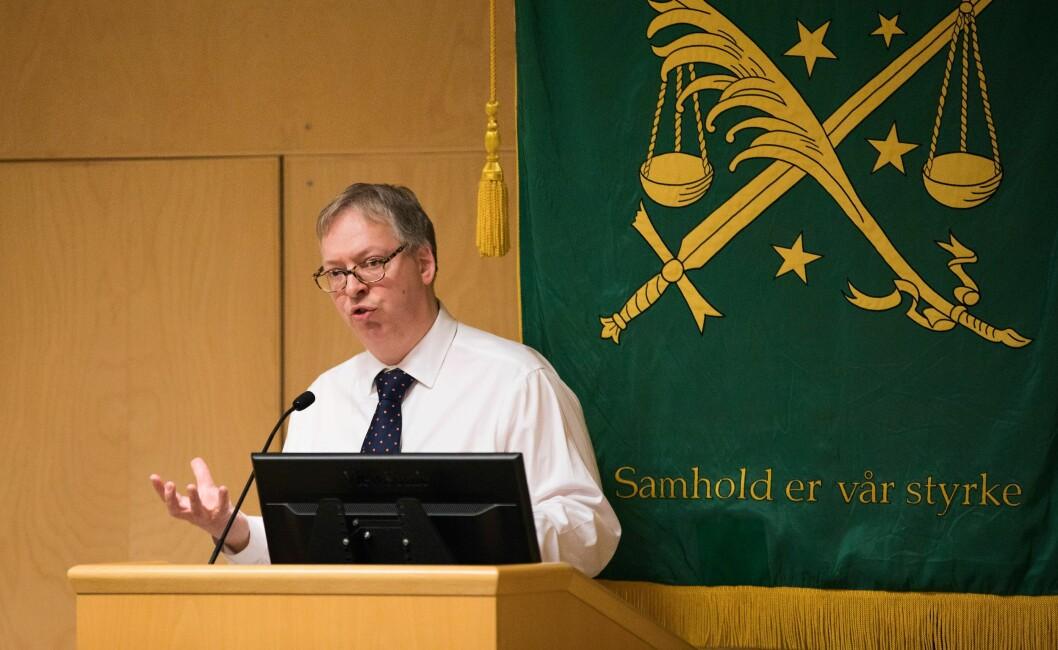 Thor Kleppen Sættem er statssekretær i Justisdepartemenetet, og mener politikernes store politisatsinger er riktige.