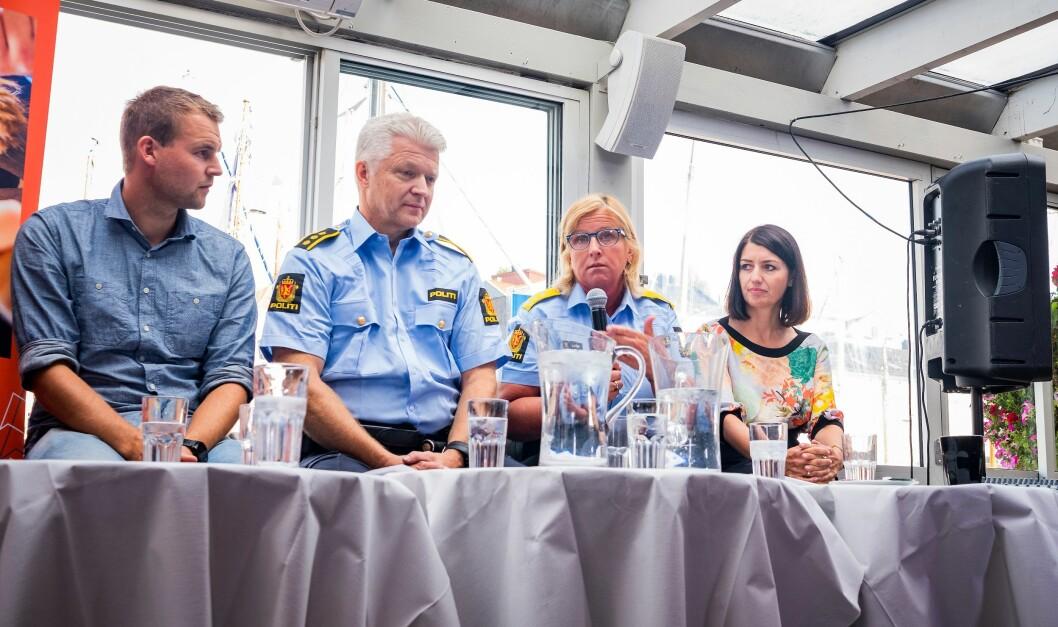 Norges Politilederlag arrangerte debatt om forebygging og politikontakten. Olsen var hentet inn som politikontakt, og delte panelet med Kjell Ingolf Ropstad (Krf), Kristin Kvigne i Politidirektoratet og Guro Angell Gimse (Høyre).