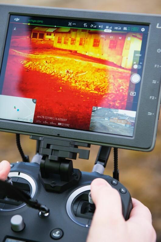 BRENNHETT: Dronens termiske kamera bruker infrarød stråling til å danne bilder. Kameraene er nyttige i mørket og for å lokalisere bortkomne personer.