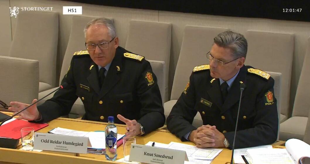 Odd Reidar Humlegård måtte svare for status for politiets objektsikring og for hva Politidirektoratet har informert regjeringen om. Med seg hadde han beredskapsdirektør Knut Smedsrud.