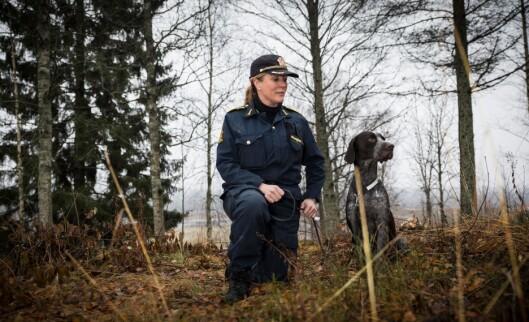 Ingrid Eidstumo er fagleder for hund ved Politihøgskolen, som nå får ansvaret for å kjøpe inn hunder til politiet.