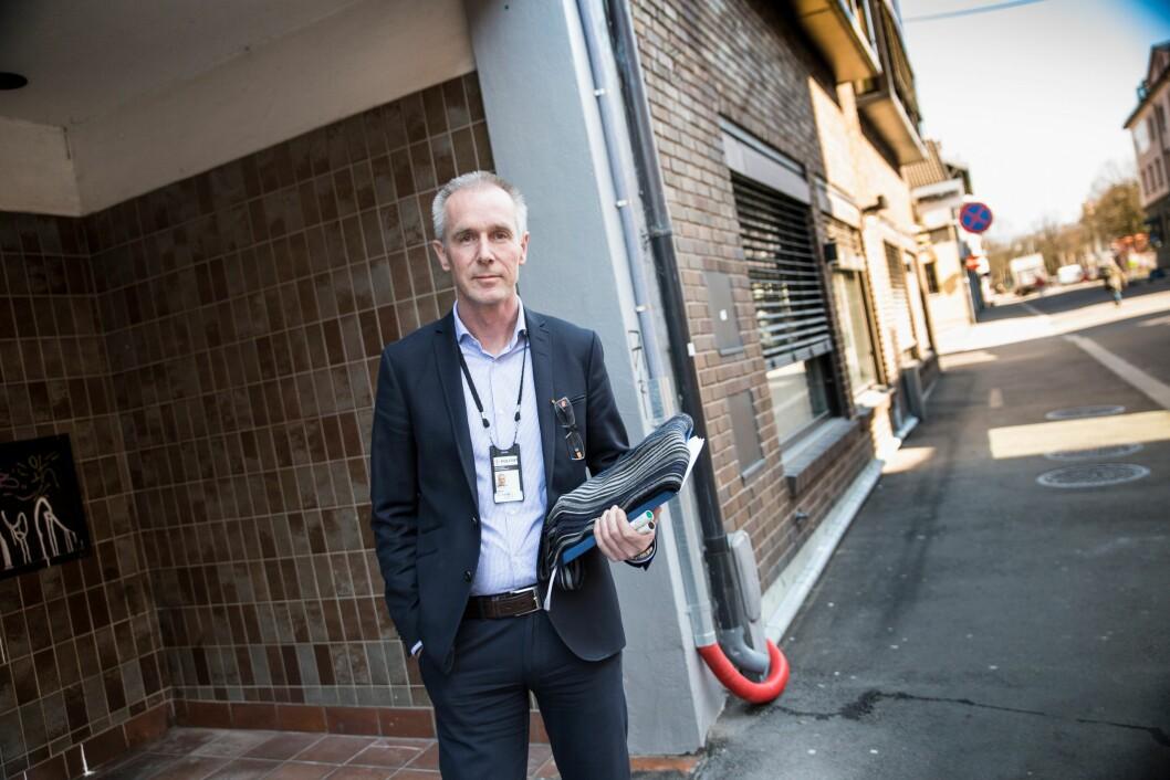 Avdelingsdirektør for stab for virksomhetsstyring i Sør-Øst politidistrikt, Gard Hagen, sier halvparten av det distriktet har fått til nye stillinger har blitt trukket fra budsjettet igjen, gjennom avbyråkratiseringstiltak.