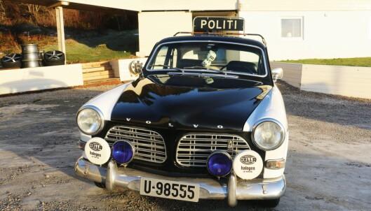 Svunne tider: Slik så politibilene ut i gamle dager, kanskje med unntak av terningene i bakspeilet, selvsagt.