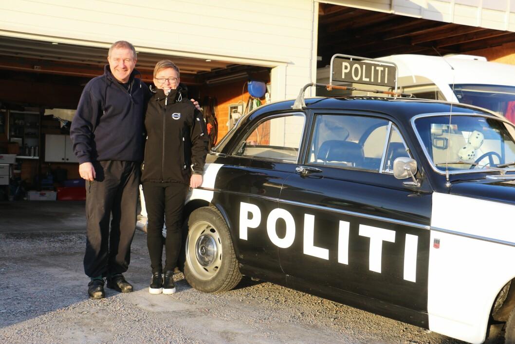 Tospann: Thorsø og kona bruker innimellom bilen til å reise på turer med. Som i fjor, da de dro til Sverige.